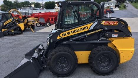 Аренда мини-погрузчика New Holland L220