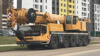 Liebherr LTM-1200 - 200 тонн