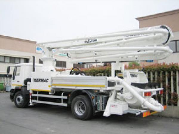 MERCEDES Schwing - 24 м